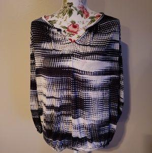 Daisy Fuentes 3/4 sleeve blouse, Size M